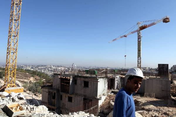 Israeli prime minister orders construction of settlements