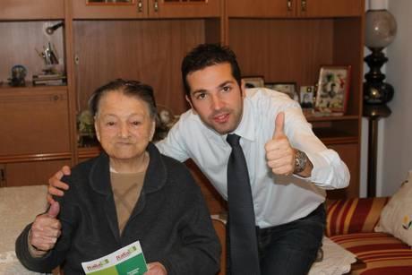 PRIMARIE CS: NONNA FRANCESCA, 99 ANNI, VOTA IN CASA SUA   Foto elettrice del Pd più anziana d'Ita