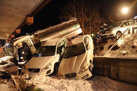 Camion finisce su parcheggio a San Lorenzo