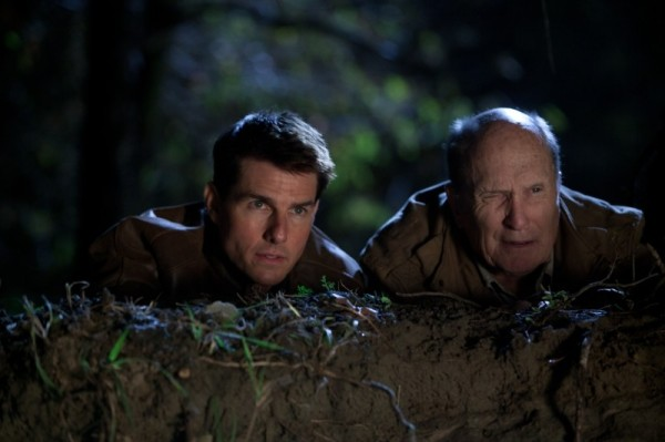 jack-reacher-tom-cruise-e-robert-duvall-in-una-scena-del-film-248668
