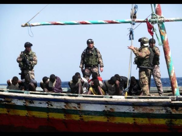 nave-india-spari-militari-italiani