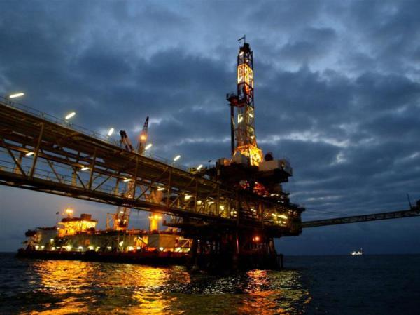 oil-72144352