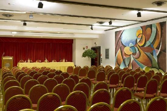 salone-dei-congressi