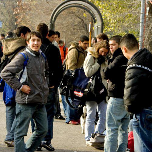 Studenti-fermata-autobus