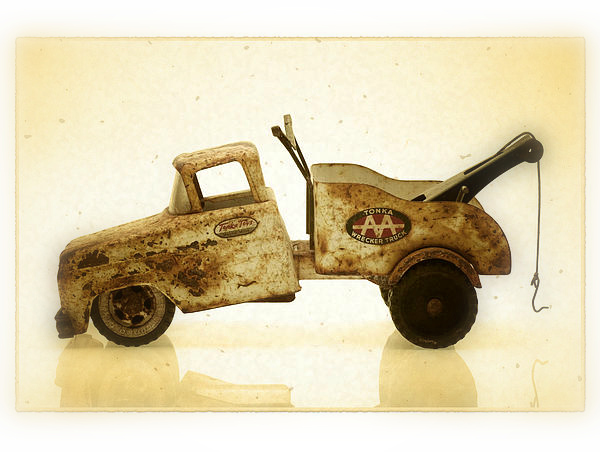 1-antique-toy-tow-truck-bill-krzyzanowski