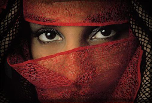 430186_Veiled-Tunisian-Woman