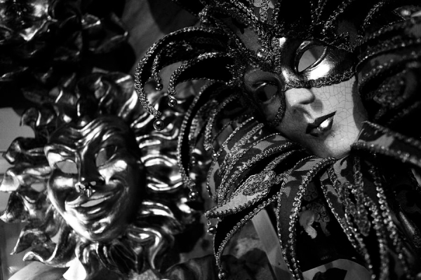 carnival-masks-in-black-and-white-todd-gipsteinn