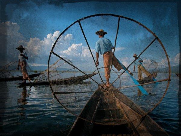 fishermen-myanmar_37818_990x742