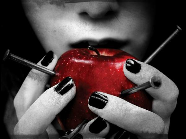 gothic_nails_selective_coloring_apples_2480x3508_wallpaper_Wallpaper_2560x1920_www