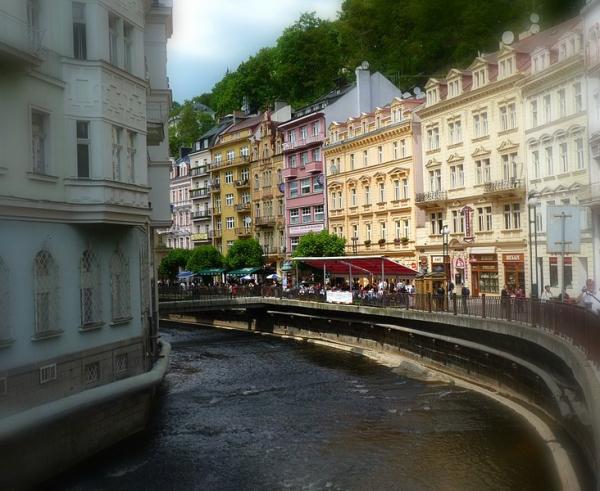 Karlovy_Vary_downtown