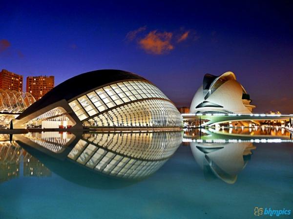 modern_city_architecture-800x600