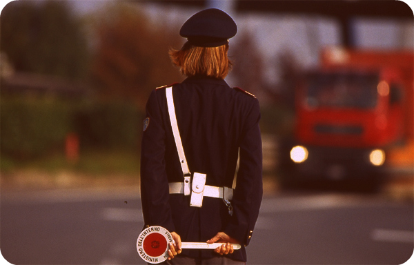 poliziotta1