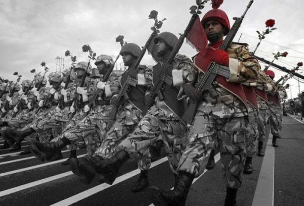 Rat-Nacionalni_Dan_Armije_u_Iranu_13