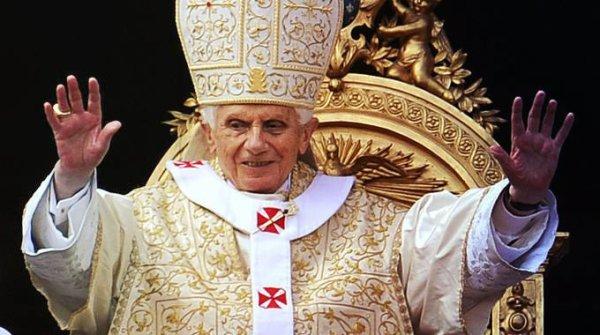 papa benedetto XVI lascia pontificato