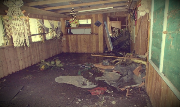 A-damaged-home-in-Lata-So-015