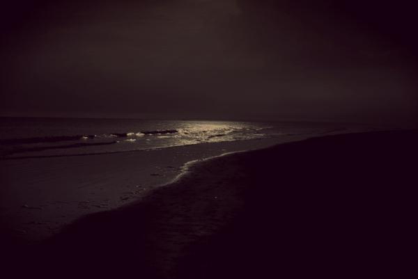 dark_evening_beach_900