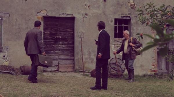 la-casa-nel-vento-dei-morti-Francesco Campanini -e-francesco-barilli-vicini-alla-casa-in-una--236257