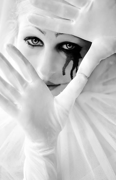 Pierrot_III_by_larafairie2