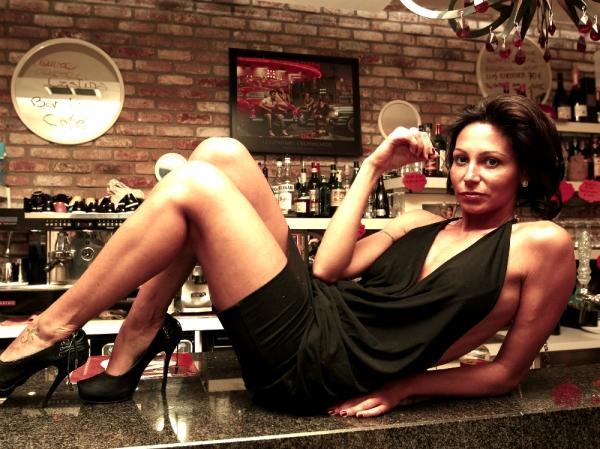 sexy-barista-laura-maggi-09
