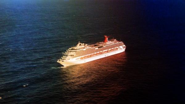 nave alla deriva nel golfo del messico