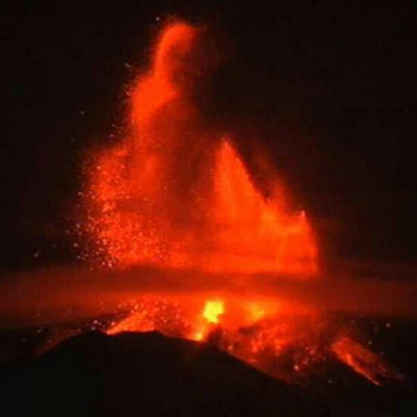 etna-eruzione 6 marzo-tuttacronaca