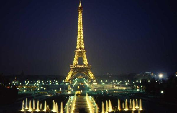 21-La Tour Eiffel, dal Trocadero,18 aprile 1987
