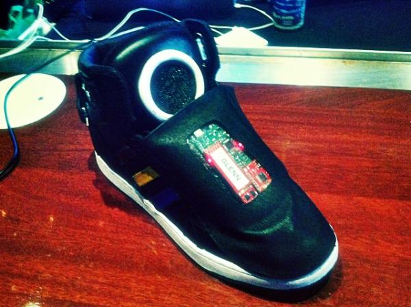 tuttacronaca-inline-adidas-google-shoe