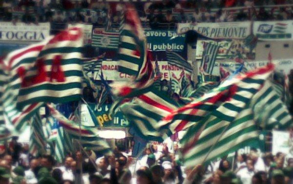 Bandiere-Cisl- tuttacronaca