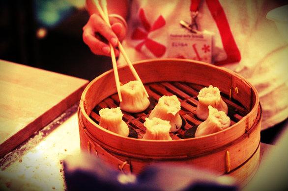 cucina-cinese-bacchette-legno-tuttacronaca