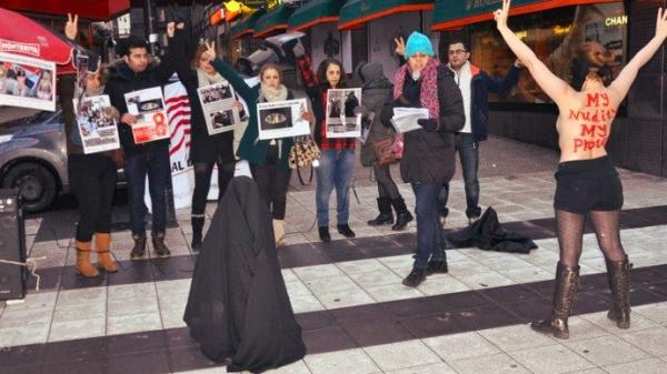 femen-iranian-topless-protest-stockholm-tuttacronaca