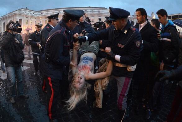 femen-vaticano-pope no more-tuttacronaca