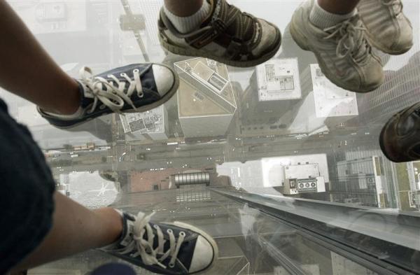 sears tower- ledge-chicago-tuttacronaca
