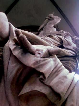 statua-firenze-dito-staccato-tuttacronaca