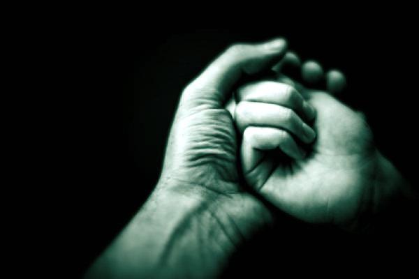 suicidio-avvelenamento-vincenzo isgrò-tuttacronaca