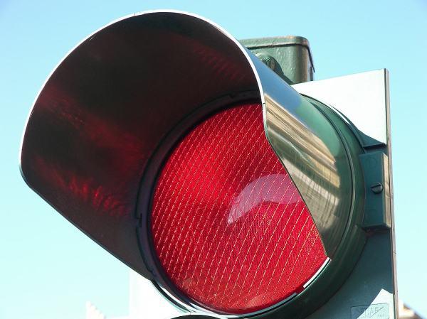 semaforo-rosso-formigoni-presidente-regione-lombardia-tuttacronaca.jpg