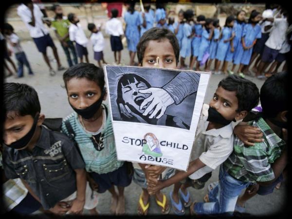 abuso-scuola-asilo-bimbo-5-anni-new-delhi
