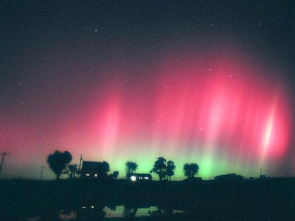 aurora-archi-rossi-tuttacronaca