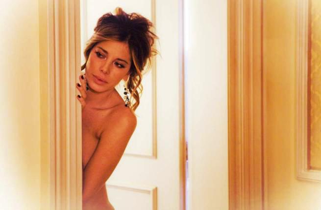 For Licia maglietta nude have faced