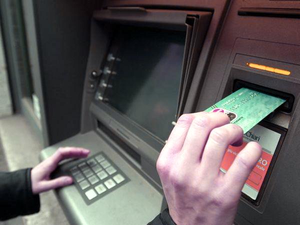 bancomat-mirco sacher-tuttacronaca