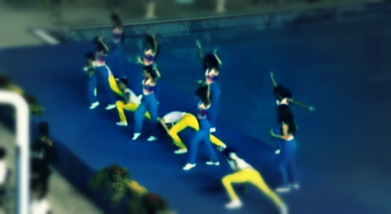 cheerleader-fall_swimming-pool-tuttacronca