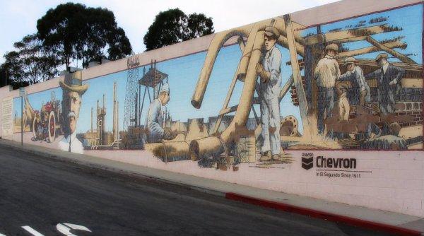 chevron-murales-el segundo-los angeles-quentin- tarantino-tuttacronaca