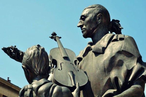 cremona-piazza-stradivari