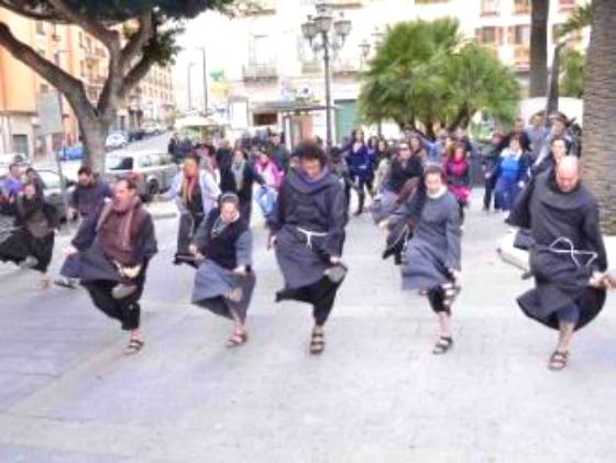 flashmob-cagliari-preti-frati