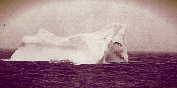 Iceberg-titanic-14 aprile 1912-tuttacronaca