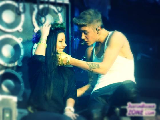 Justin_Bieber_Performs_in_Frankfurt_maglietta-tuttacronaca