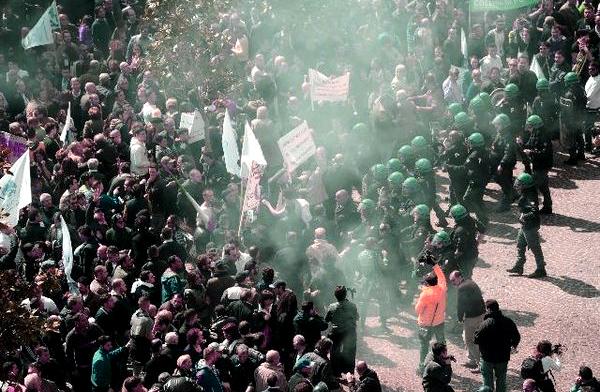 napoli-proteste-tuttacronaca