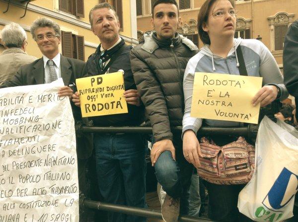 protesta-montecitorio-crisi-tuttacronaca