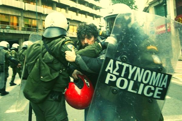 atene-scontri-razzismo-tuttacronaca
