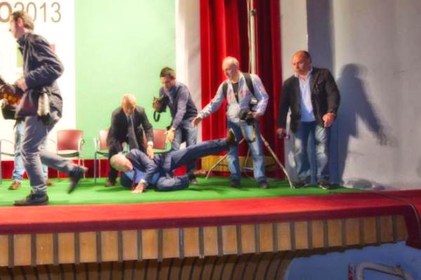 epifani_caduta_palco-avellino-pd-tuttacronaca