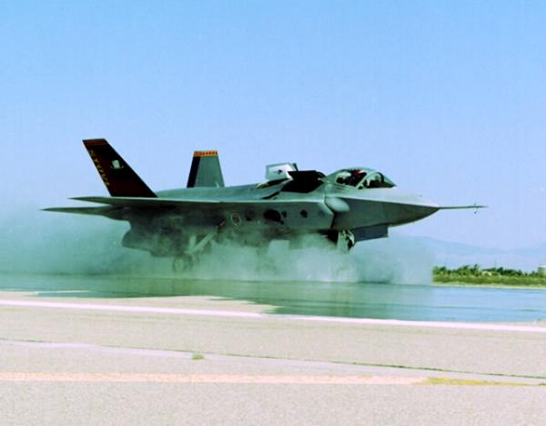 f35-tuttacronaca-atterraggio-climi-umidi